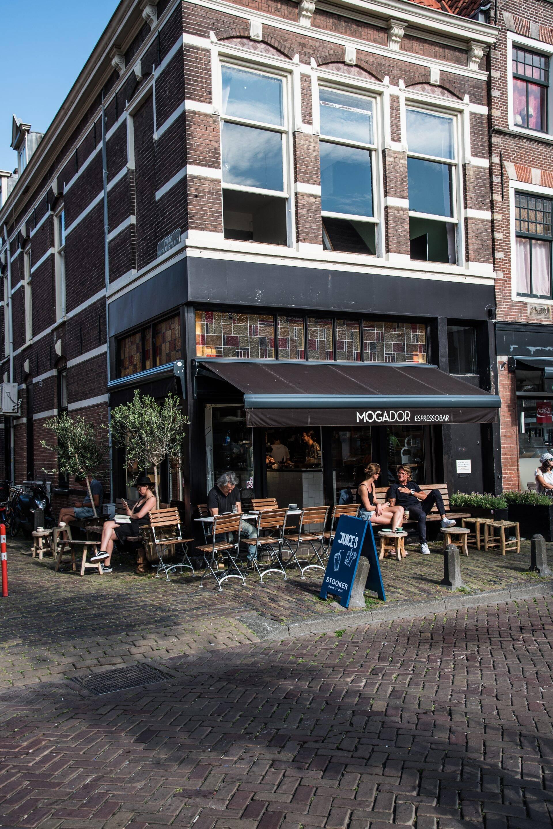 Terras Mogador espressobar in Haarlem