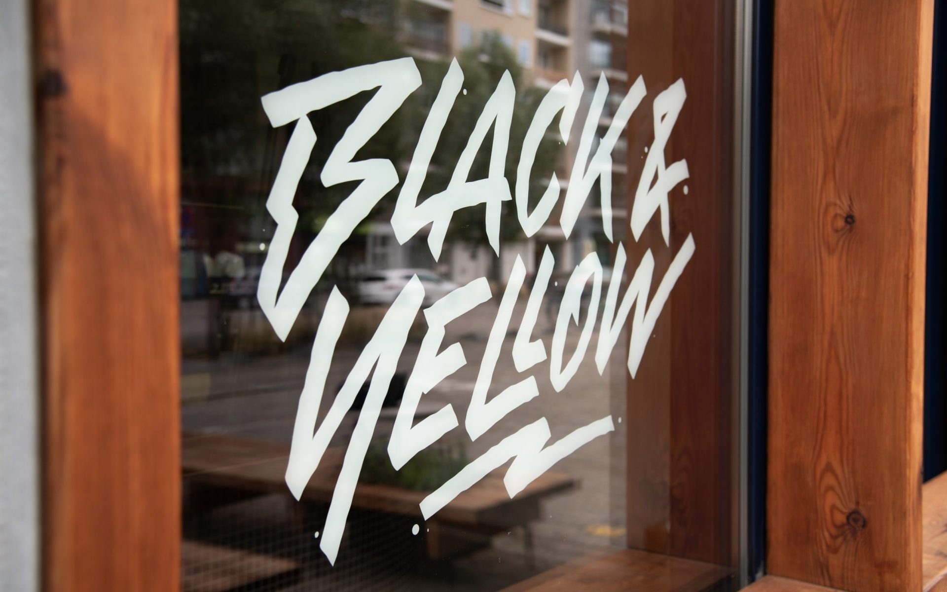 Black & Yellow Antwerpen