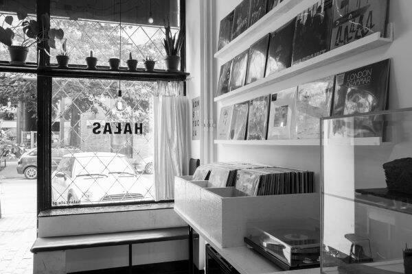 HAŁAS Vinyl+Coffee Warschau